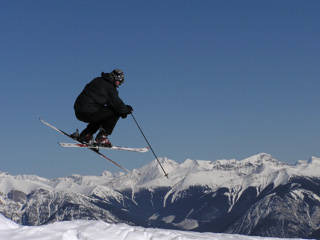 Amazing Canadian Rockies vistas await skiers and snowboarders visiting Kicking Horse. (skier: Greg Prior; photo: FTO/Jay Silveira/J&E Productions)