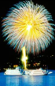 Multiple fireworks displays will light up Lake Tahoe this Independence Day Weekend. (photo: Lake Tahoe Visitors Authority)
