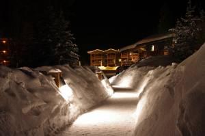 The Lake Louise Inn (photo: FTO/Kevin Gawenus)