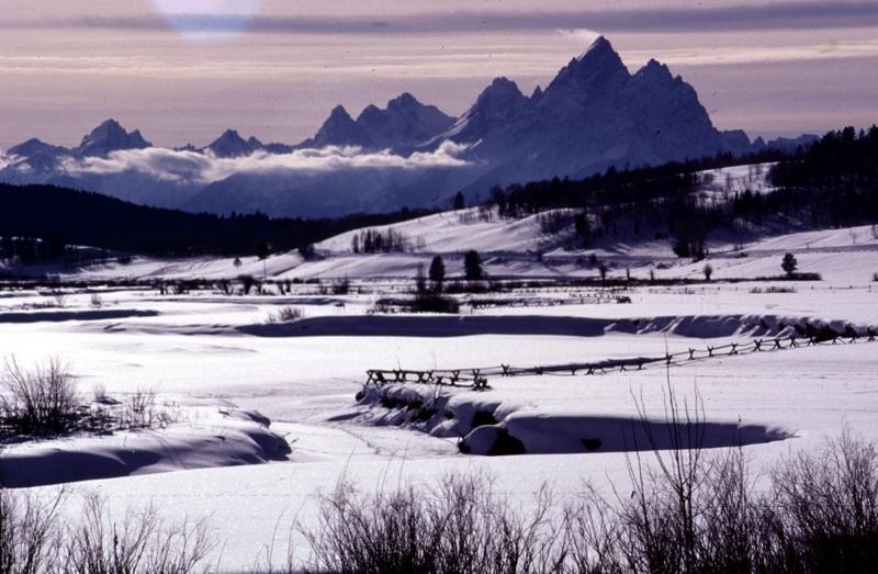 Reservations at Western U.S. Ski Resorts Hit Speed Bump