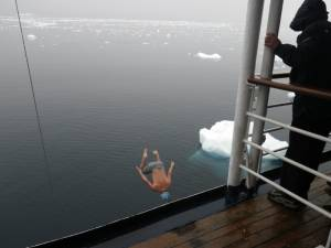 """The """"Polar Plunge"""" (photo: FTO/Tony Crocker)"""