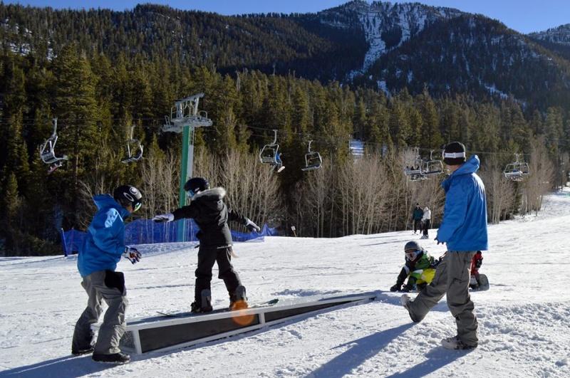 Snowboarder Dies At Las Vegas Resort First Tracks