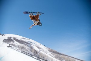 Chloe Kim; U.S. Snowboarding Grand Prix 2016; Park City Mountain Resort, Utah; February 1-6, 2016 (photo: Tyler Tate/Tyler Tate Images)