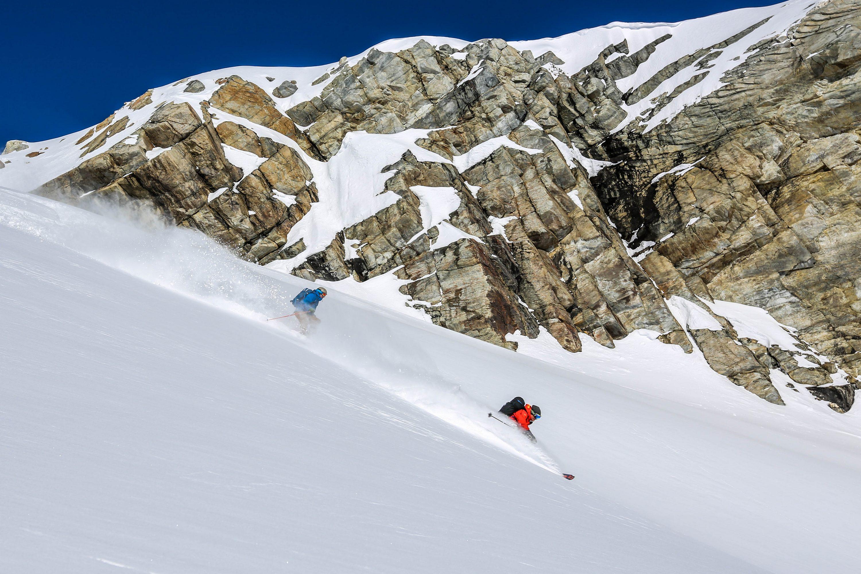 (photo: Great Canadian Heli-skiing)
