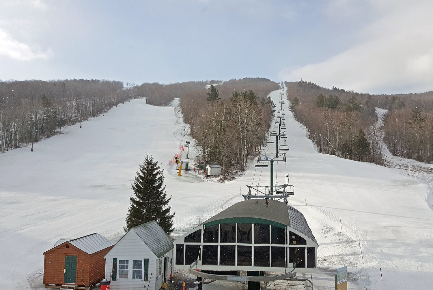 new hampshire ski area tries new strategy: cheap passes, free